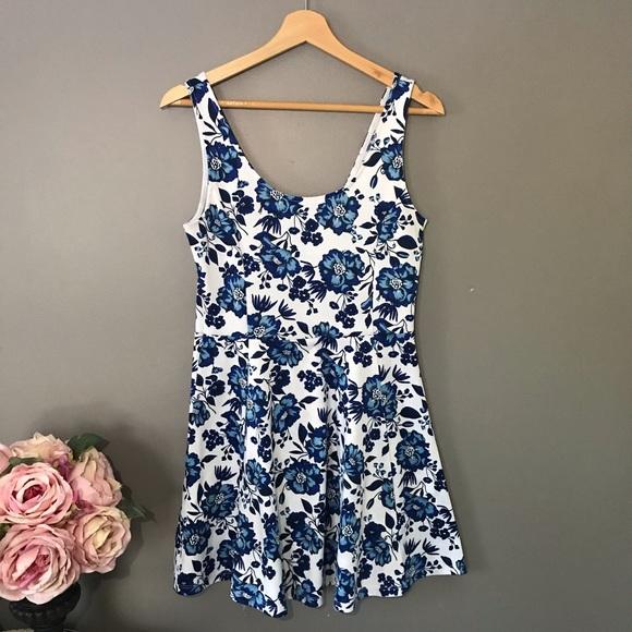 Divided Dresses & Skirts - Divided H&M Floral Dress   sz 10 ✨